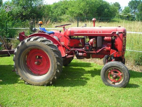 Tracteurs agricoles et véhicules de chantier 75020110