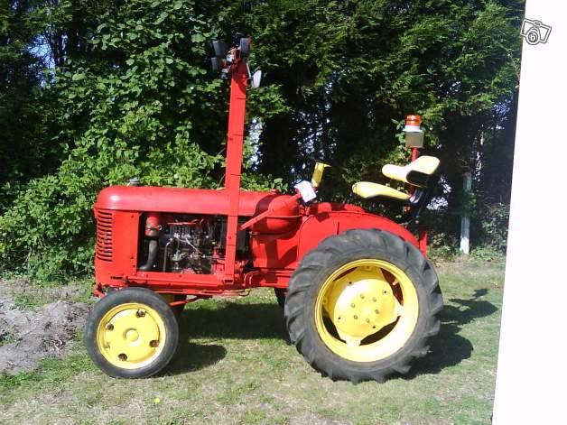Tracteurs agricoles et véhicules de chantier 75320110