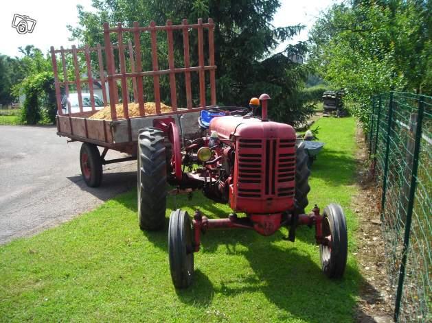 Tracteurs agricoles et véhicules de chantier 75920110