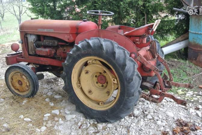 Tracteurs agricoles et véhicules de chantier 76120211
