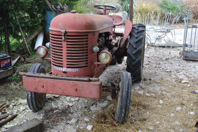 Tracteurs agricoles et véhicules de chantier 76420211