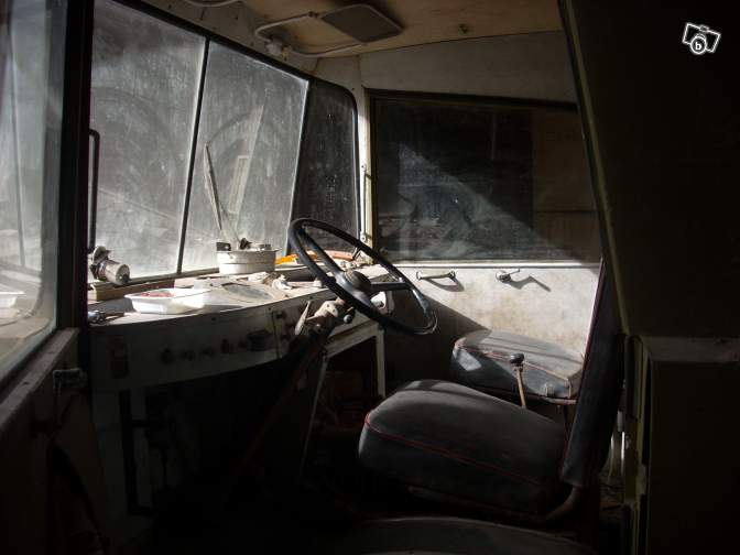 Camions vintages 83522910