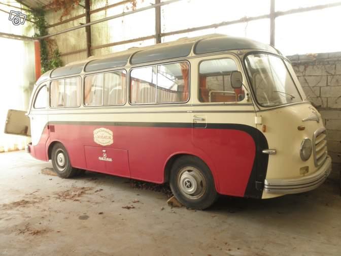 Autobus retro 98770210