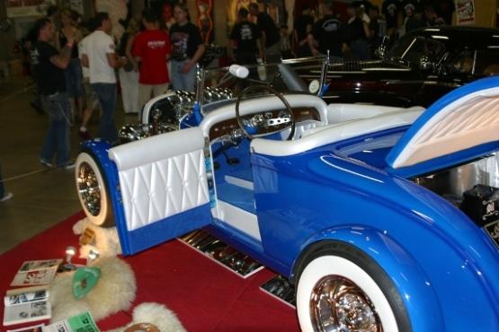 Mopar hot rod Blue2010