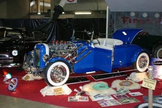 Mopar hot rod Blue2011