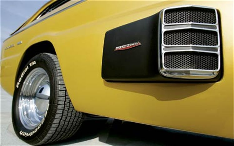 Deora - Dodge custom - Alexander Brothers C12_0511