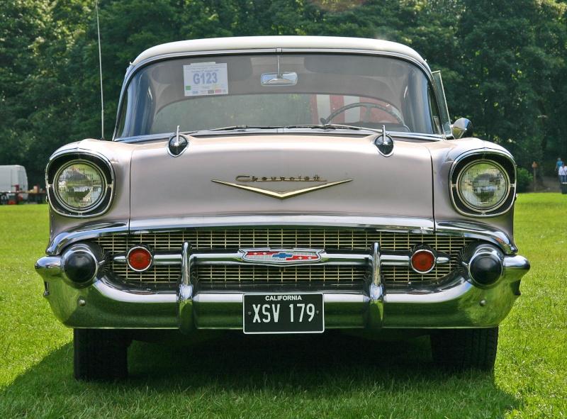 Les Chevrolet de 1949 à 1959 stock Chevro19