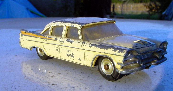Dinky Toys Dodge510