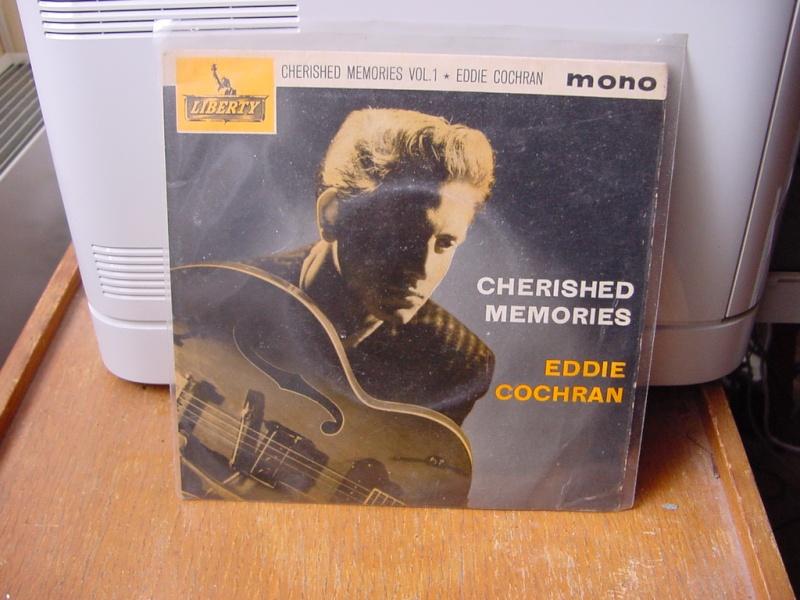 45 tours d'Eddie Cochran Dsc08946
