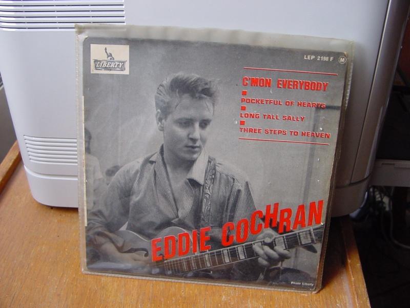 45 tours d'Eddie Cochran Dsc08947