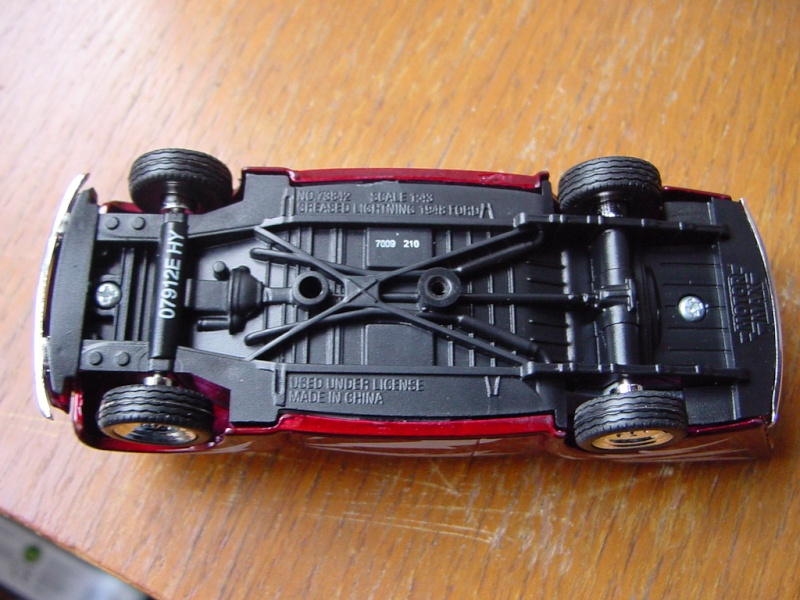 Ford 48 Greased Lightning - Barris pour film Grease 1/43 Motormax Dsc09038
