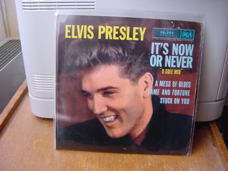 45 tours d'Elvis Presley Dsc09057