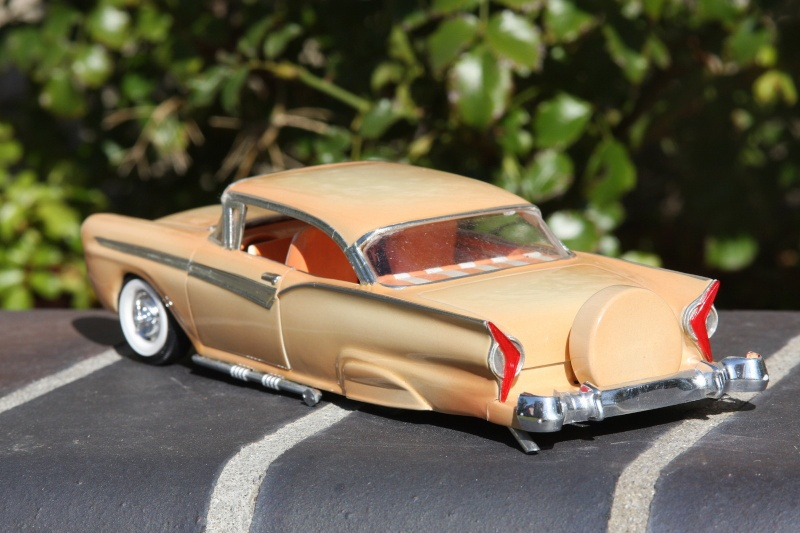 1957 Ford - Trophy series - 3 in 1 - 1/25 scale - Amt -  Kgrhqf30