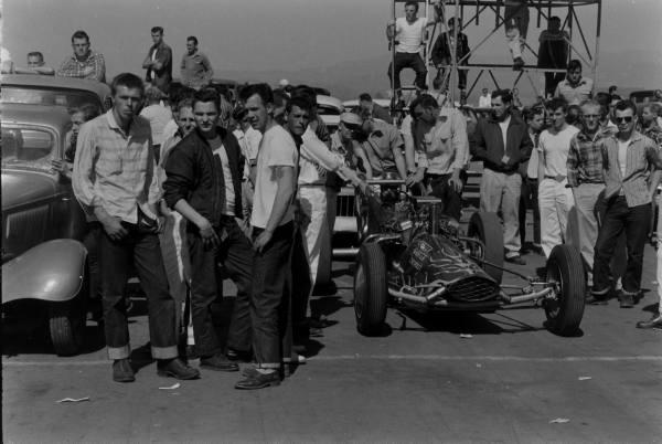 Santa Ana drag race - late '50s  Santaa15
