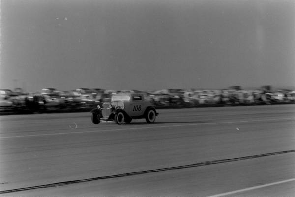 Santa Ana drag race - late '50s  Santaa17