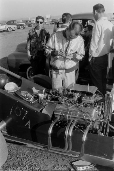 Santa Ana drag race - late '50s  Santaa18
