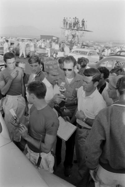 Santa Ana drag race - late '50s  Santaa20
