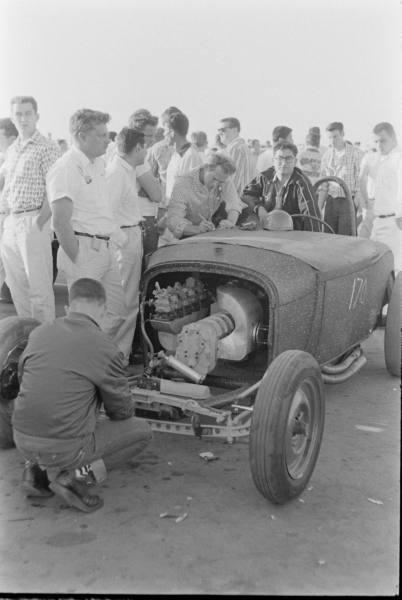 Santa Ana drag race - late '50s  Santaa22