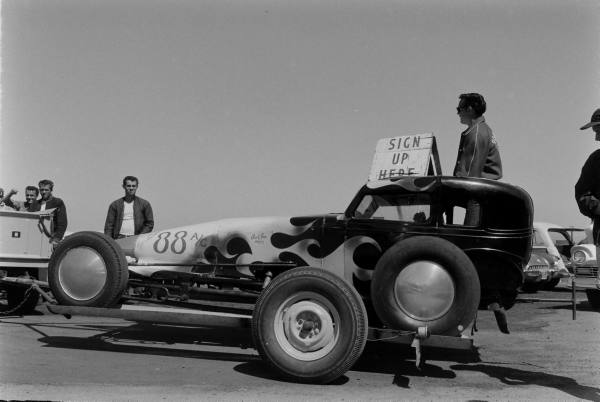 Santa Ana drag race - late '50s  Santaa25