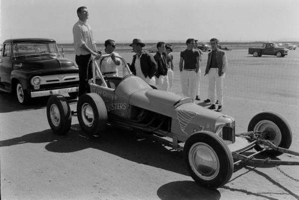 Santa Ana drag race - late '50s  Santaa26