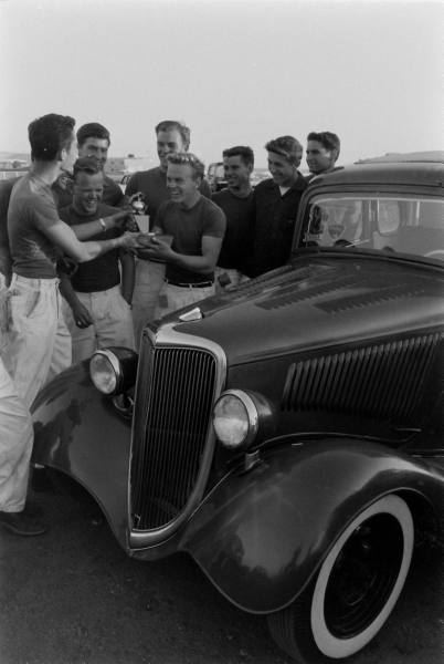 Santa Ana drag race - late '50s  Santaa27