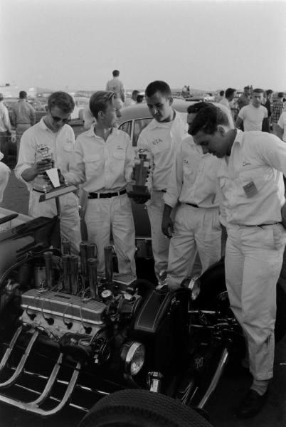 Santa Ana drag race - late '50s  Santaa33