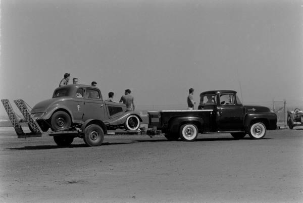 Santa Ana drag race - late '50s  Santaa36