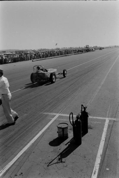Santa Ana drag race - late '50s  Santaa37