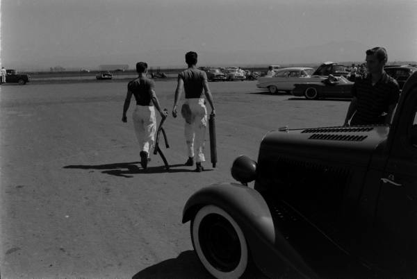 Santa Ana drag race - late '50s  Santaa39