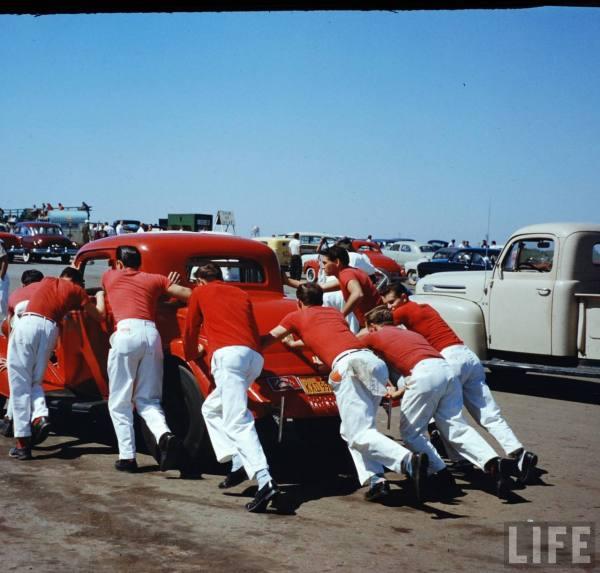 Santa Ana drag race - late '50s  Santaa41