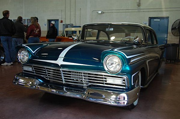 Ford 1957 & 1958 custom & mild custom  - Page 3 User6912