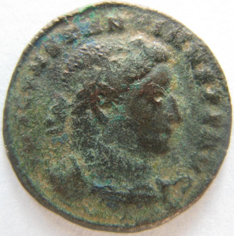 "Nummus de Constantin ""SOL IINVICTO COMITI""  Romain17"