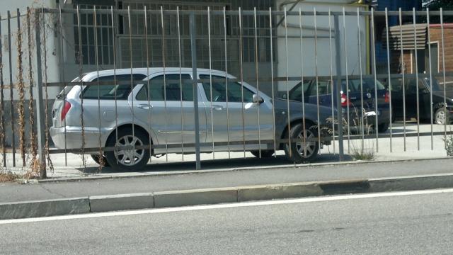 Auto Abbandonate - Pagina 5 2012-036