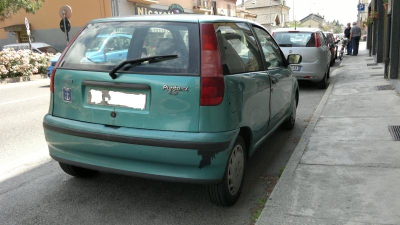 Avvistamenti auto rare non ancora d'epoca - Pagina 4 2012-076