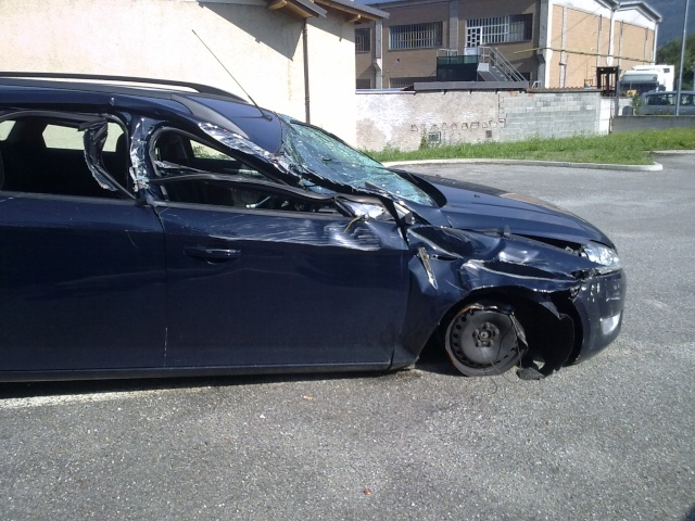 Auto Abbandonate - Pagina 6 24062011