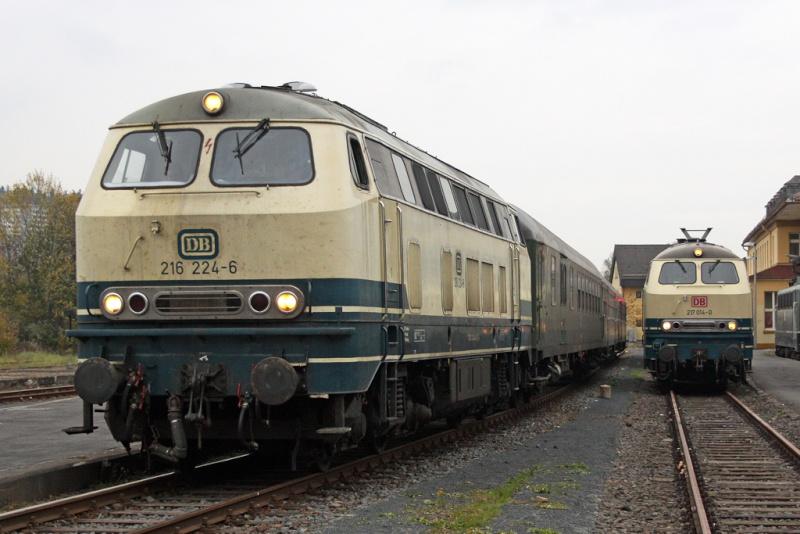 La locomotive diesel V160 Baureihe 216 et 218 de la DB de Lima au 1:45. Die-2110