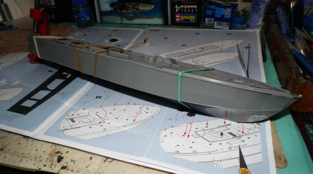 (revell) patrol torpedo boat PT 579/588--terminé Dscf3616