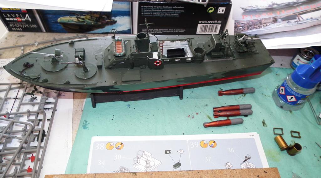 (revell) patrol torpedo boat PT 579/588--terminé Dscf3625