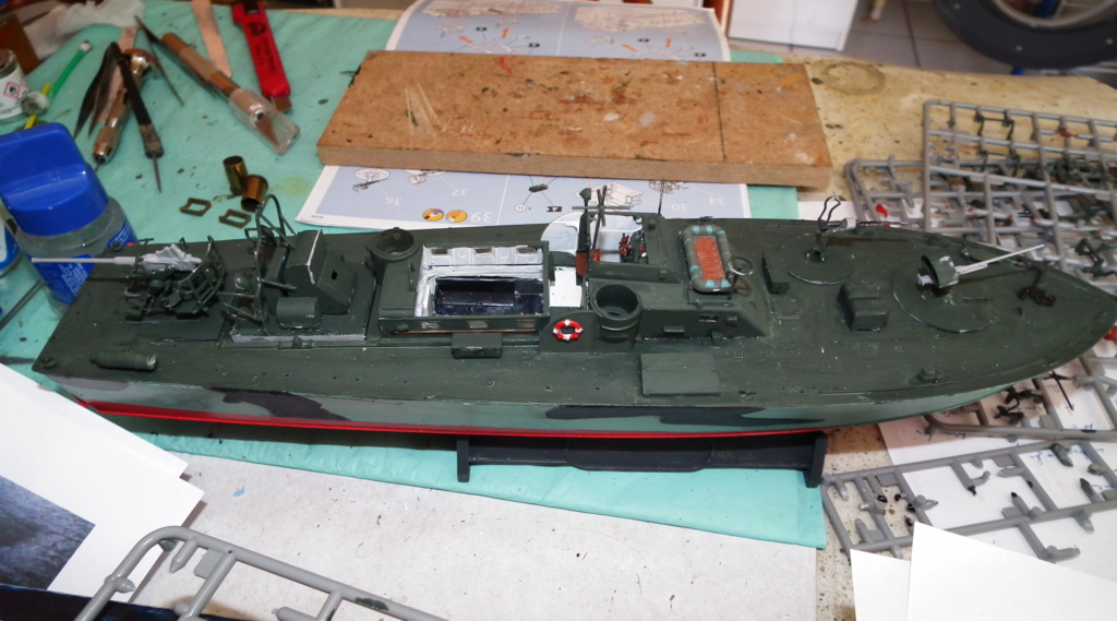 (revell) patrol torpedo boat PT 579/588--terminé Dscf3626