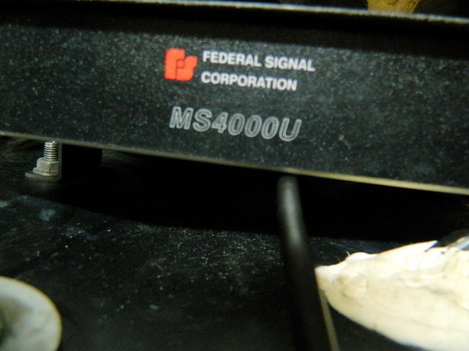 Les modifs sur mon 1500 SE, Leds,remplacement HP page 9, fabrication protections sacoches............... - Page 6 Dscn2111