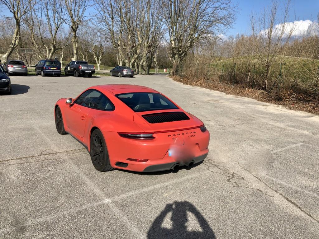 Une jolie auto dans un parking  - Page 2 41fa1d10