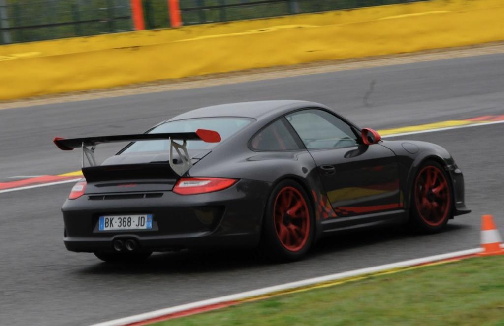 recensement des Porsche en couleur - Page 3 4a697910
