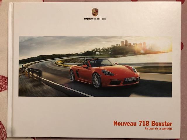 Livret Porsche promotionnel sur  la sortie du 718 Boxster Fe374010