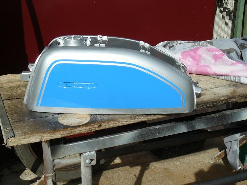 peinture du reservoir P1060945