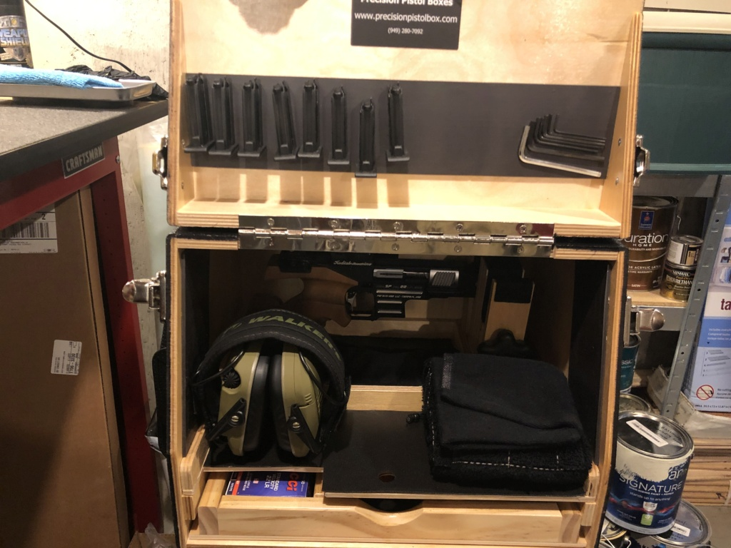 Oil Applicator in Pistol Box Img_8010