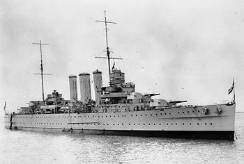 HMS Cornwall Croiseur Pesant 1/350 de Trumpeter Hms_co10