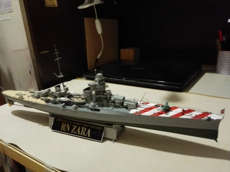 RN Zara Italian Heavy Cruiser 1/350  Img_2025