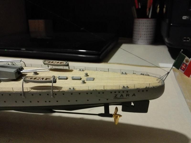 RN Zara Italian Heavy Cruiser 1/350  Img_2035