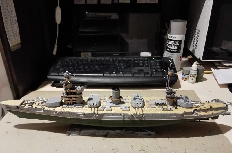 Marat Battleship Russian de Zvezda a 1/350 Img_2115