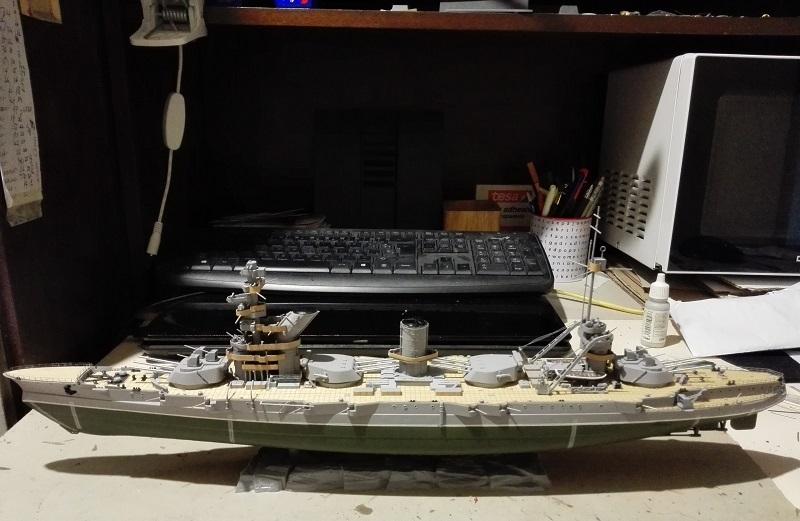 Marat Battleship Russian de Zvezda a 1/350 Img_2116
